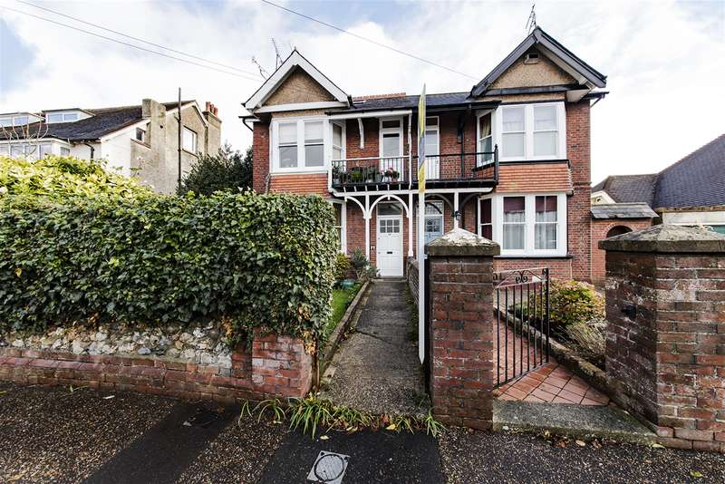 1 Bedroom Ground Flat for sale in Grove Road, Worthing, West Sussex, BN14 9DG