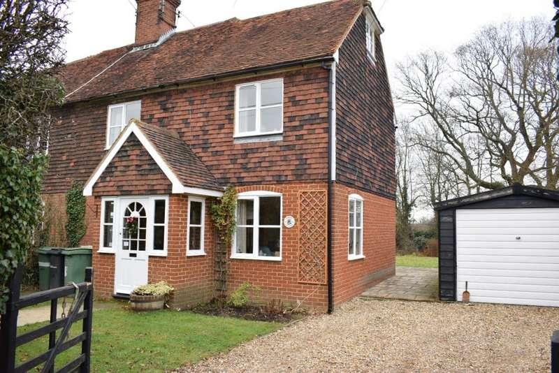 3 Bedrooms Semi Detached House for sale in Pattenden Lane, MARDEN