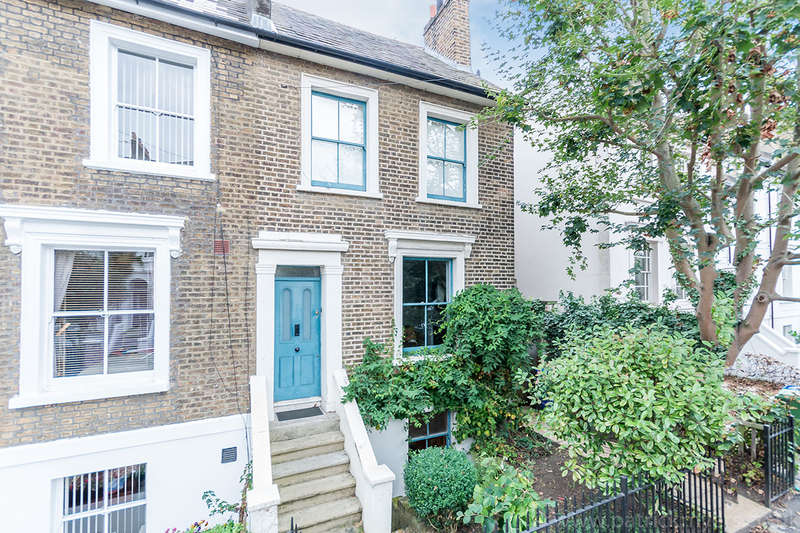 3 Bedrooms Semi Detached House for sale in Lyndhurst Grove, Peckham, SE15