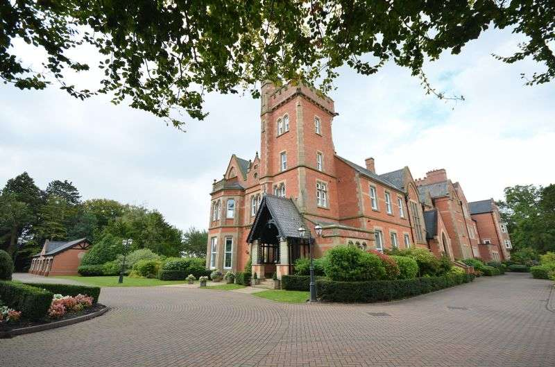 2 Bedrooms Flat for sale in Apartment 7 Singleton Hall, Poulton-Le-Fylde FY6 8LT