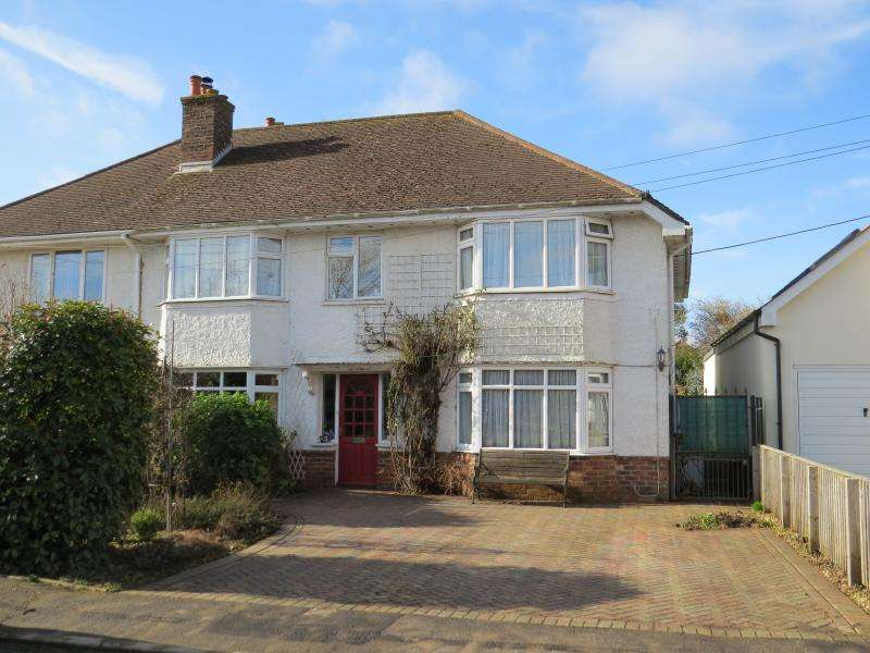 5 Bedrooms House for sale in Close to Town