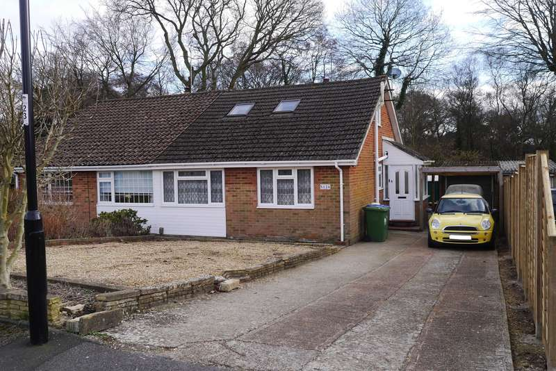 2 Bedrooms Semi Detached Bungalow for sale in The Grove, Sholing, Southampton