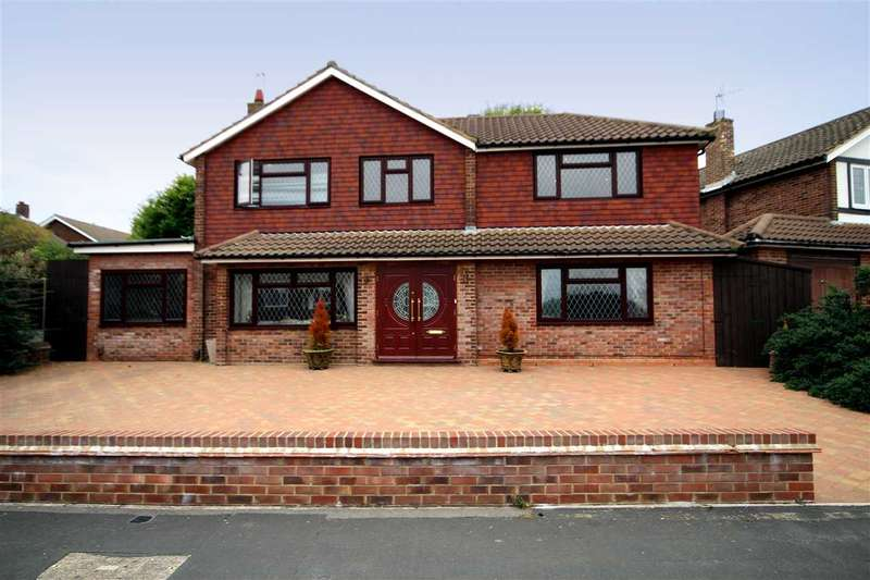4 Bedrooms House for sale in Wren Crescent, Bushey, WD23.