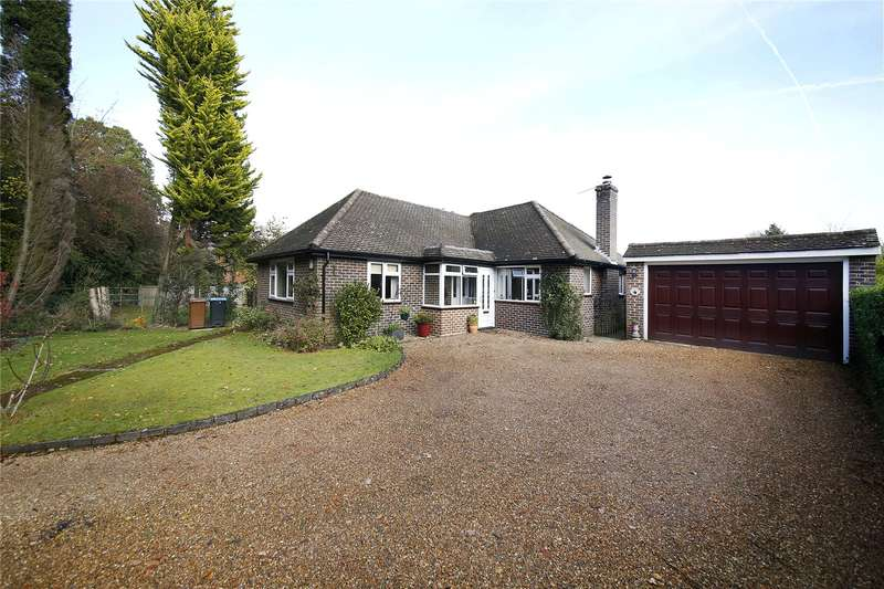 2 Bedrooms Detached Bungalow for sale in Hilltop Lane, Chaldon, Caterham, Surrey