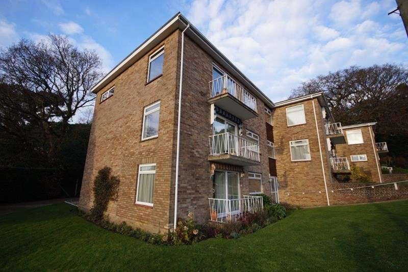 2 Bedrooms Flat for sale in Cotes Avenue, Lower Parkstone, Poole