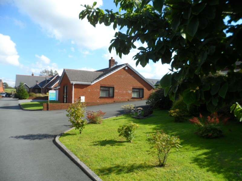 3 Bedrooms Detached Bungalow for sale in Heol y Maes, Coelbren, Neath