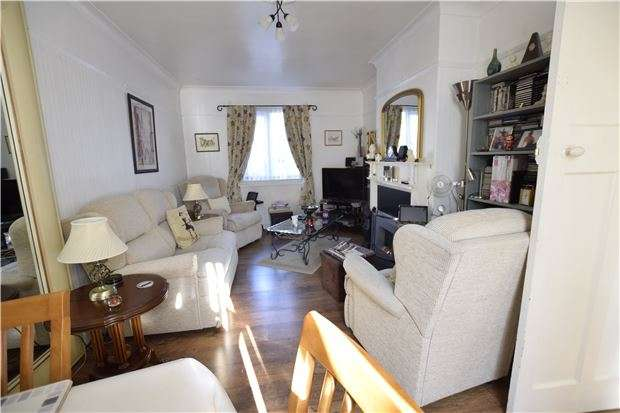 3 Bedrooms Semi Detached House for sale in Knoll Road, Eastbourne, BN22 9DJ