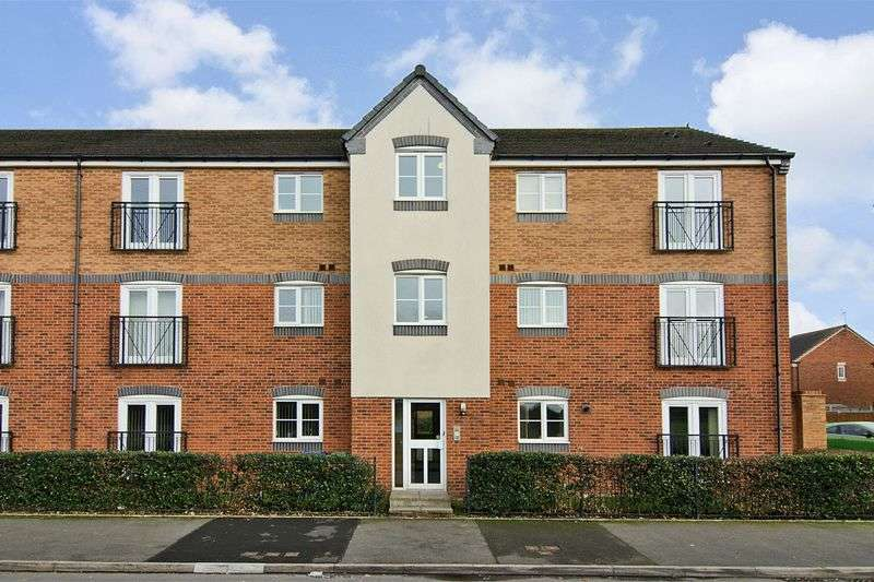 2 Bedrooms Flat for sale in Pheasant Way, Heath Hayes, Cannock