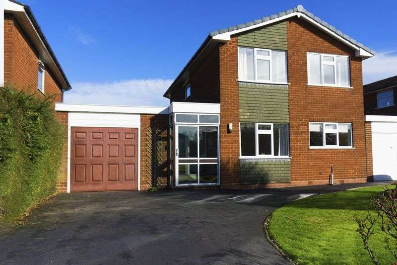 3 Bedrooms Detached House for sale in Stencills Road, Walsall