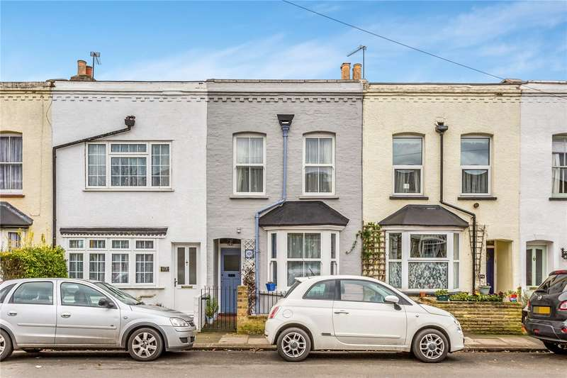 2 Bedrooms Terraced House for sale in Goat Lane, Enfield, EN1