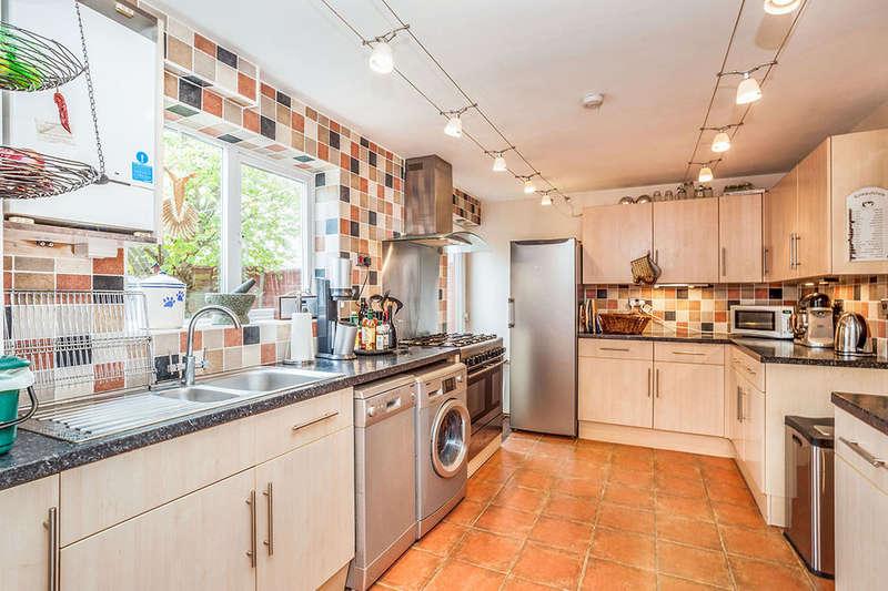 4 Bedrooms Property for sale in Middleknights Hill, Gadebridge, Hemel Hempstead, HP1