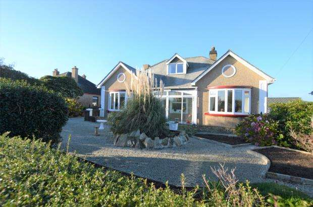 3 Bedrooms Detached Bungalow for sale in Nancegollan, Helston, Cornwall