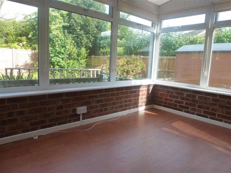 3 Bedrooms Semi Detached House for sale in Elder Road, Havant, Hampshire