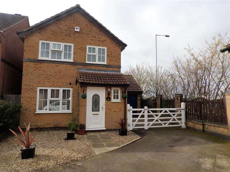 3 Bedrooms Detached House for sale in Broad Meadow, Ipswich