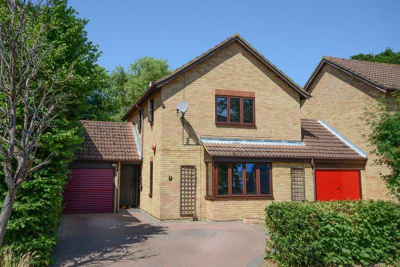 3 Bedrooms Detached House for sale in Mistys Field, WALTON ON THAMES KT12