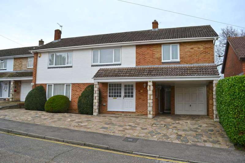 5 Bedrooms Detached House for sale in Bassingbourne Close, Broxbourne EN10