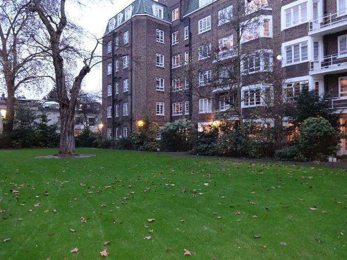 3 Bedrooms Apartment Flat for sale in Marlborough Court,, Kensington