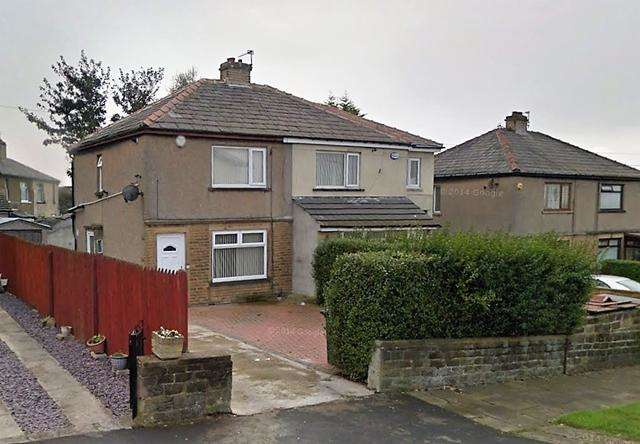 2 Bedrooms Semi Detached House for sale in 2 bedroom semi-detach house for sale in Undercliffe Area of BD2
