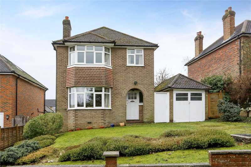 3 Bedrooms Detached House for sale in Hill Rise Crescent, Chalfont St. Peter, Gerrards Cross, Buckinghamshire, SL9