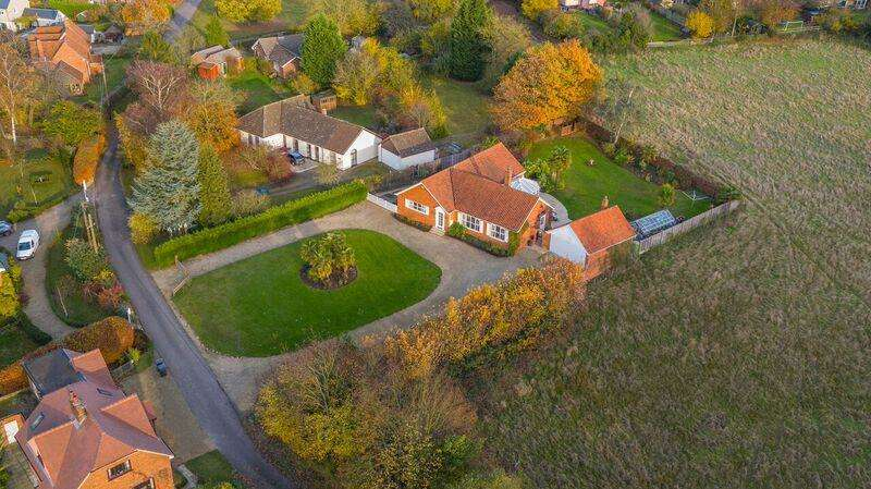 4 Bedrooms Detached Bungalow for sale in Spring Lane, White Street Green, Boxford, Sudbury CO10