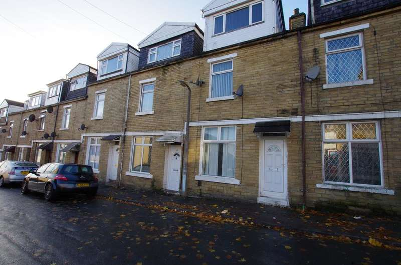 4 Bedrooms Terraced House for sale in St Michaels Road, Bradford BD8 8HE