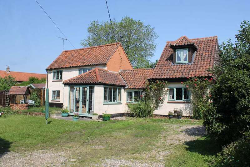 4 Bedrooms Cottage House for sale in St Giles Road, Swanton Novers NR24