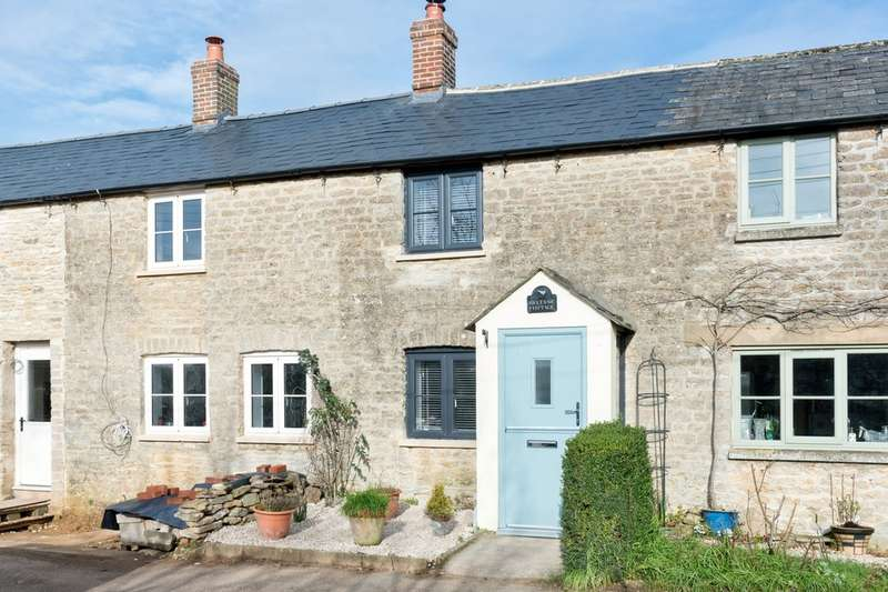 3 Bedrooms Terraced House for sale in Fairford