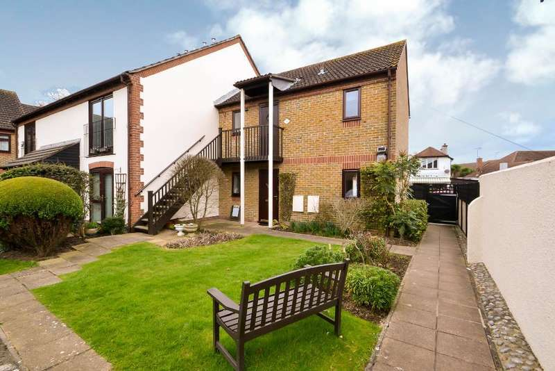1 Bedroom Flat for sale in Aigburth Avenue, Rose Green, Bognor Regis, West Sussex, PO21 3DB