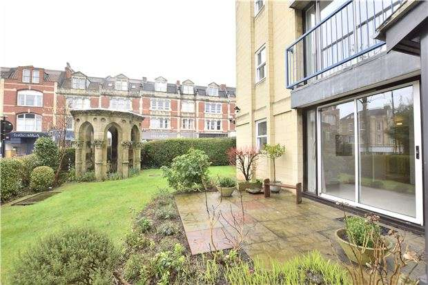 2 Bedrooms Flat for sale in Meryl Court, Ashgrove Road, Redland, Bristol, BS6 6NG
