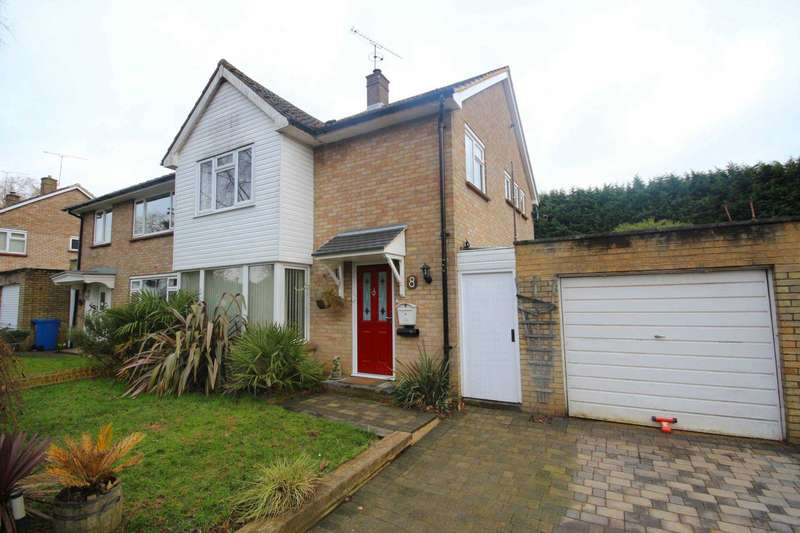3 Bedrooms Semi Detached House for sale in The Green, Bracknell
