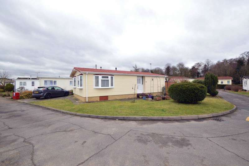 2 Bedrooms Park Home Mobile Home for sale in WEYBRIDGE BORDERS