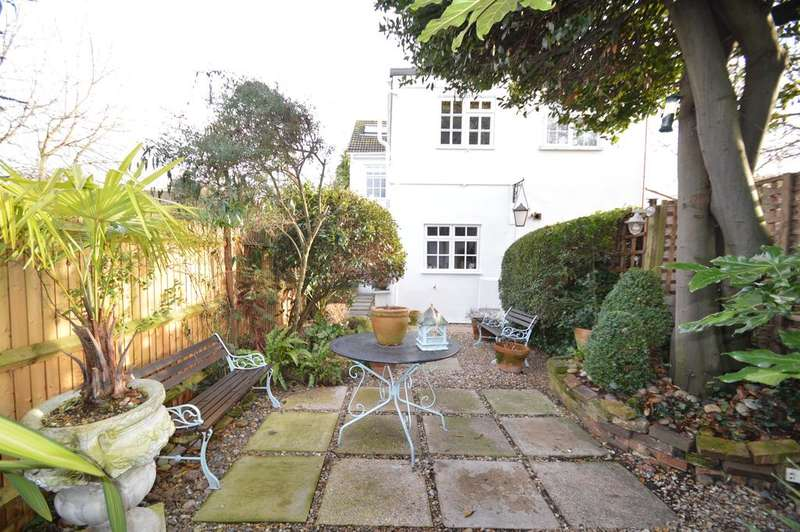 2 Bedrooms Semi Detached House for sale in Thames street, WALTON ON THAMES KT12