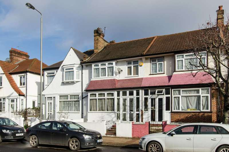 3 Bedrooms Terraced House for sale in Southcroft Road, Streatham, SW16