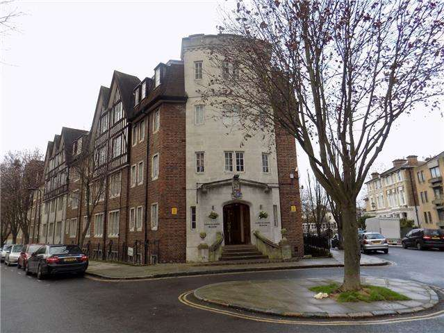 1 Bedroom Flat for sale in Hillsborough Court, Mortimer Crescent NW6