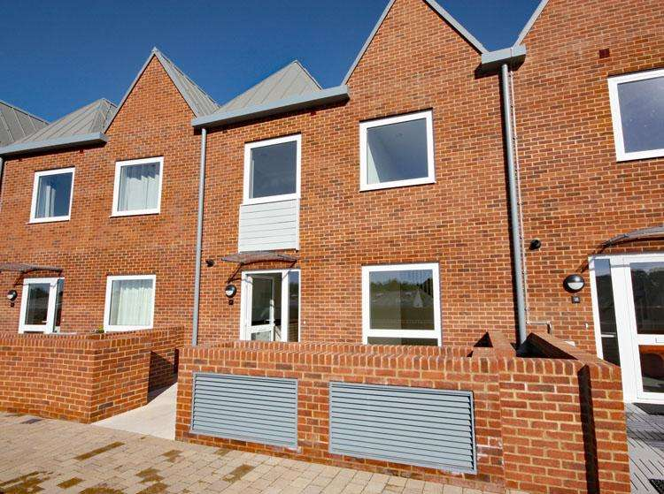 2 Bedrooms Duplex Flat for sale in Ainslie Place, Lymington Shores, Lymington SO41