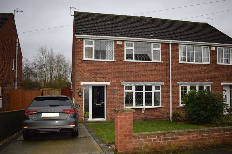 3 Bedrooms Semi Detached House for sale in Greyfriars, Grimsby DN37