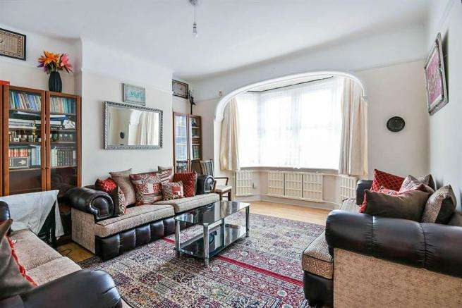6 Bedrooms Terraced House for sale in Norbury Crescent, Norbury, London SW16