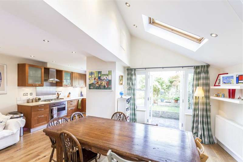 5 Bedrooms Terraced House for sale in Roxwell Road, London W12