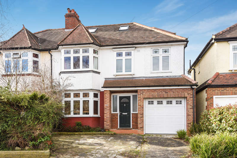 5 Bedrooms Semi Detached House for sale in Chiltern Drive, Surbiton
