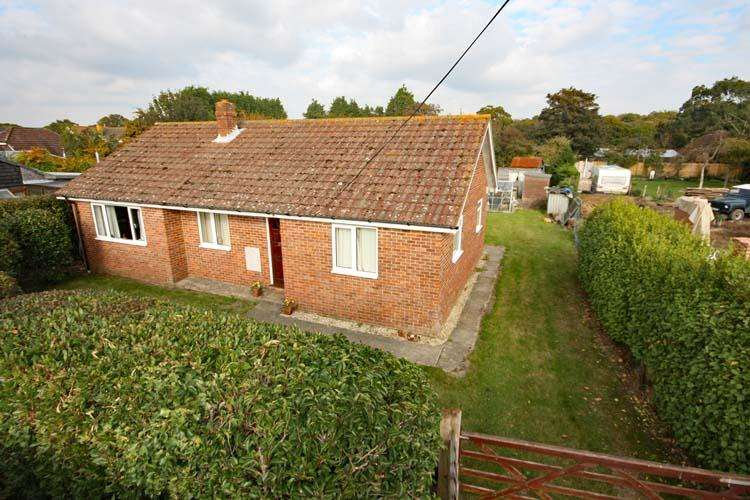 3 Bedrooms Detached Bungalow for sale in Main Road, East Boldre, Brockenhurst SO42