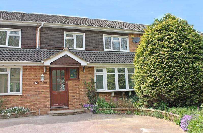 3 Bedrooms Terraced House for sale in Tippings Lane, WOODLEY, READING, RG5