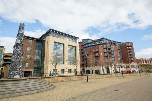2 Bedrooms Flat for rent in St Anne's Quay, 126 Quayside, NEWCASTLE UPON TYNE, Tyne and Wear