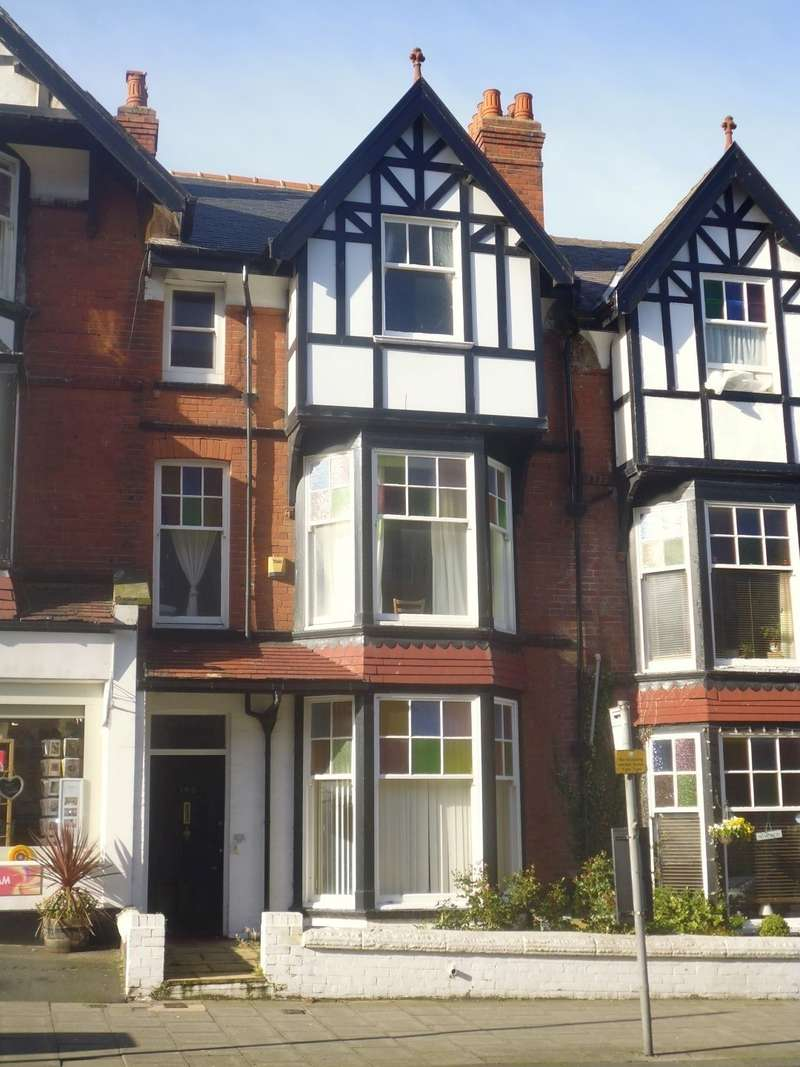 10 Bedrooms Terraced House for sale in North Marine Road, Scarborough, YO12