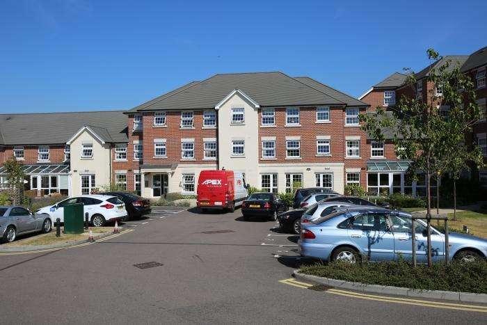 1 Bedroom Retirement Property for sale in 50, WEIGHBRIDGE COURT, ONGAR CM5