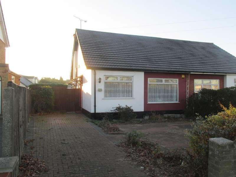 2 Bedrooms Semi Detached Bungalow for sale in Snakes Lane, Eastwood, Essex SS2