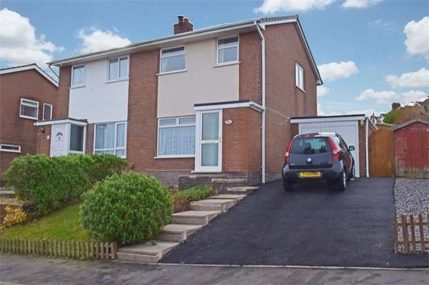3 Bedrooms Semi Detached House for sale in Cynfran Road, Llysfaen, Colwyn Bay, Conwy