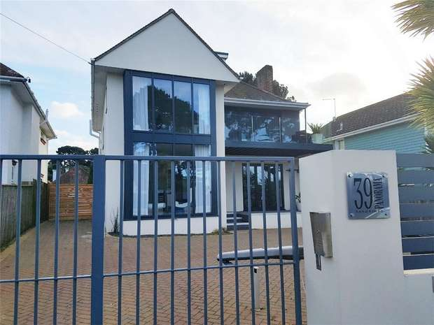 5 Bedrooms Detached House for sale in Panorama Road, Sandbanks, Poole, Dorset