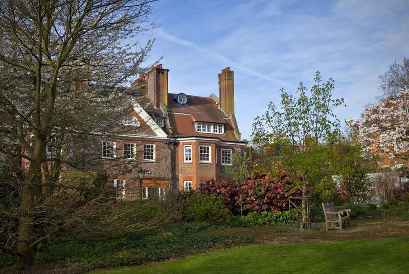 5 Bedrooms Semi Detached House for sale in GAINSBOROUGH GARDENS, HAMPSTEAD VILLAGE, LONDON NW3
