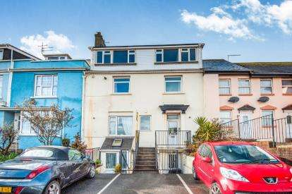 2 Bedrooms Flat for sale in Dawlish, Devon