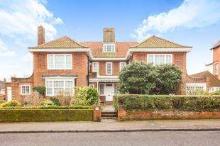 4 Bedrooms Flat for sale in West End Lodge, Sandgate Road, Folkestone, Kent